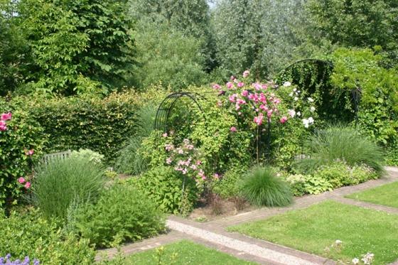 Klassiek en bloemrijk te Pannerden (2)